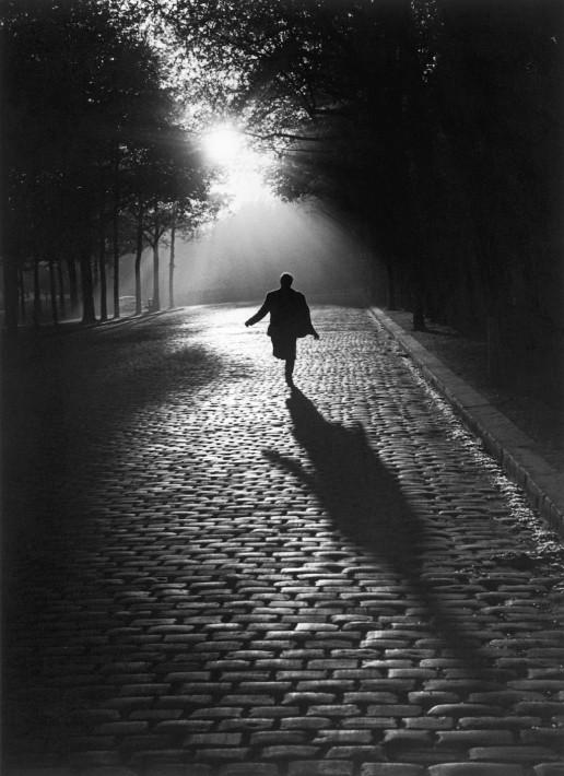 L'homme qui court, Paris 1953 Sabine Weiss © Sabine Weiss