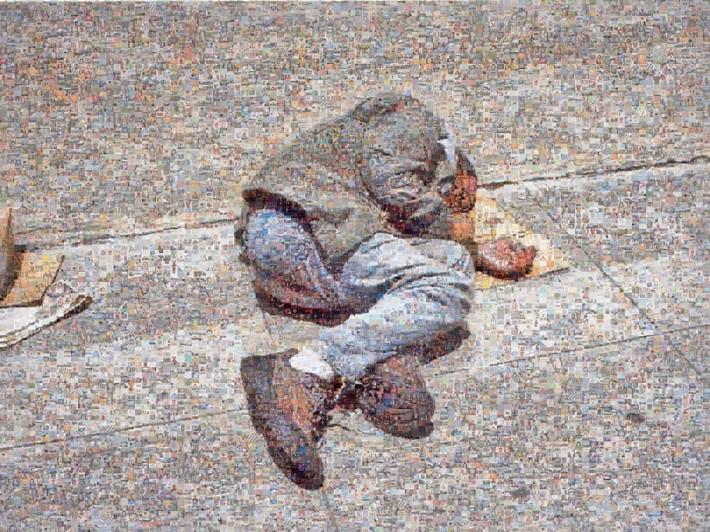 """Joan Fontcuberta, """"Googlegramme: Homeless"""", 2005, 10000 images  d'internet,120 x 160 cm. Courtesy de l'artiste."""